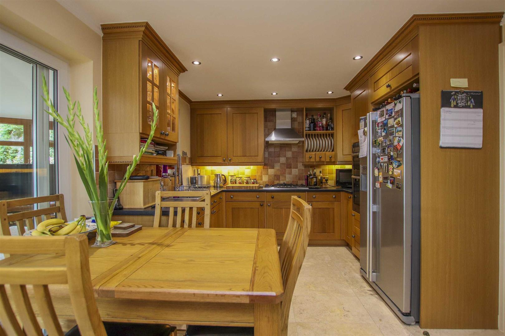 5 Bedroom Detached House For Sale - Image 19
